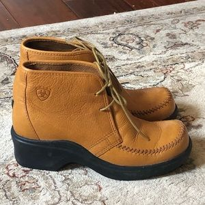 NWOT ARIAT Low Ankle Boot, Leather, Moc Stitch 5.5